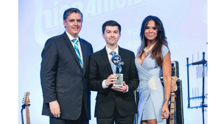 CSL Fellow Awarded At Hispanicize 2017 In Miami!
