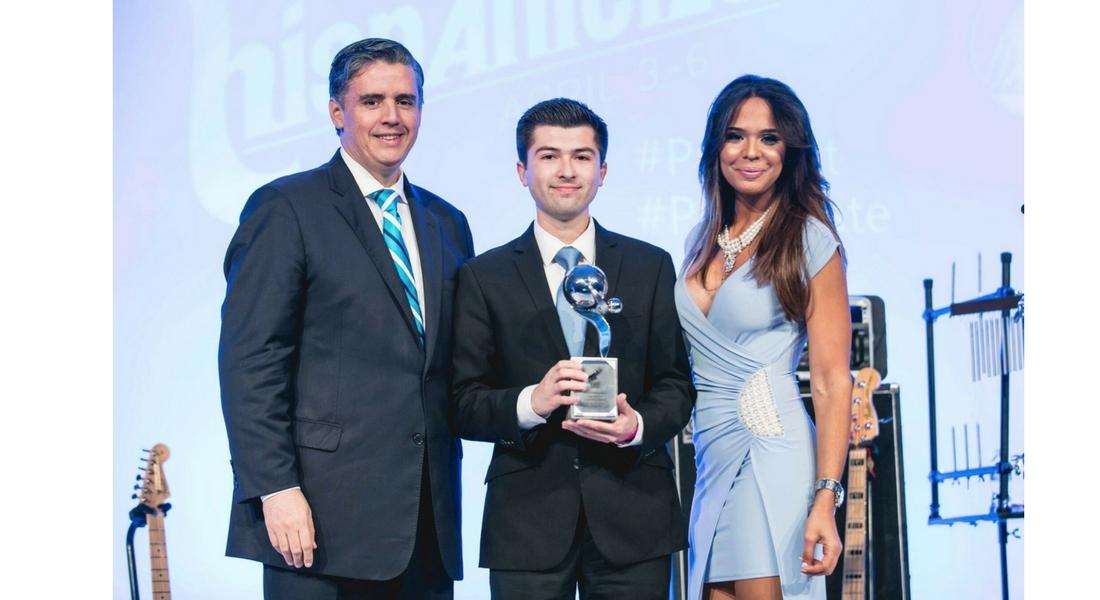 CSL Fellow awarded at Hispanicize 2017 in Miami!